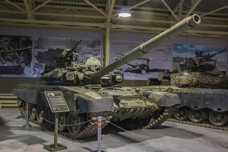 Рассказы об оружии. Танк Т-90 снаружи и внутри