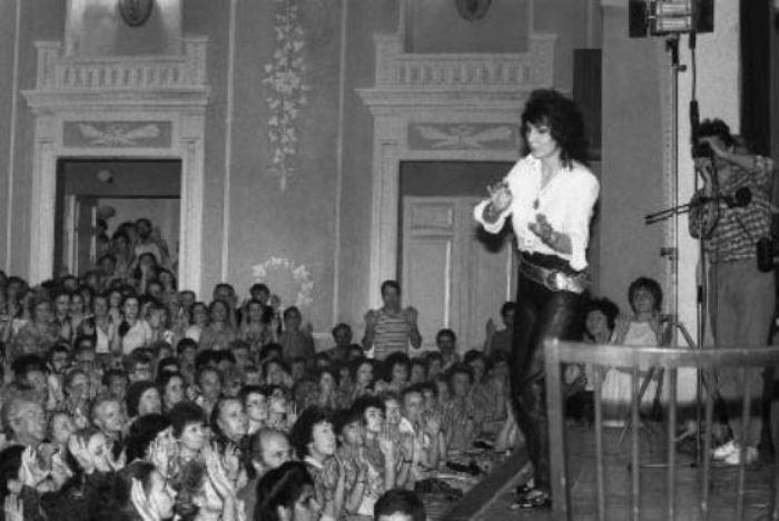 Выступление Джуны в Ленинградском центральном лектории, 1989 | Фото: fotosky.ru