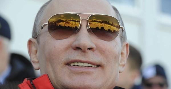 Путина и правительство стали…