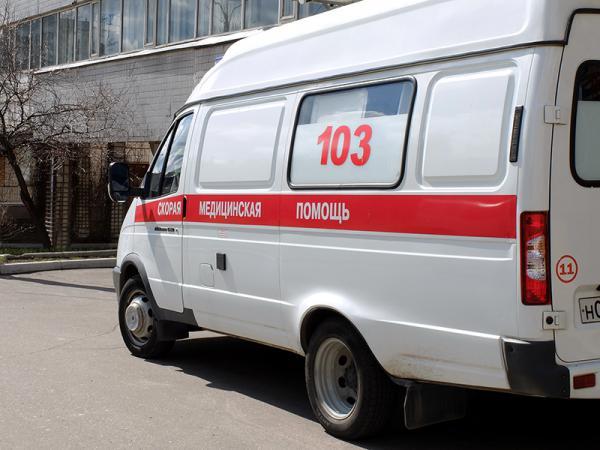 Четырехлетний ребенок впал в кому после падения с третьего этажа в ТЦ в Грозном