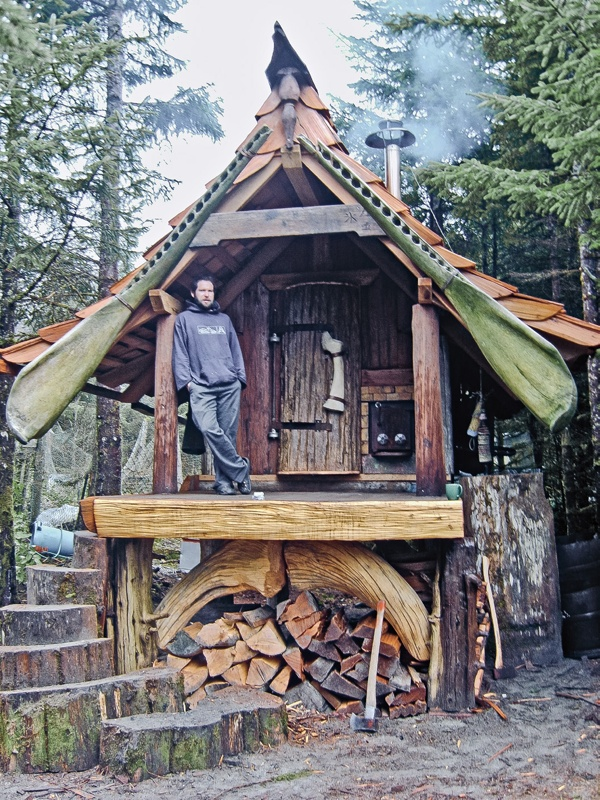 Необычный дом своими руками
