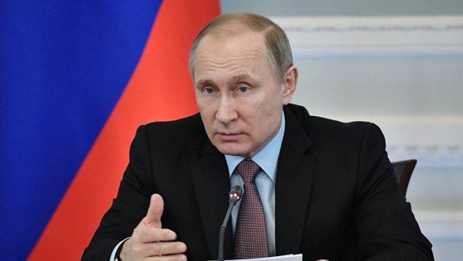 Борьба с авантюристами: Путин рассказал о проблеме коррупции в России
