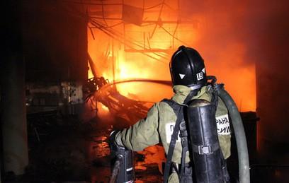 Четыре человека погибли при пожаре в приюте для бездомных во Владивостоке