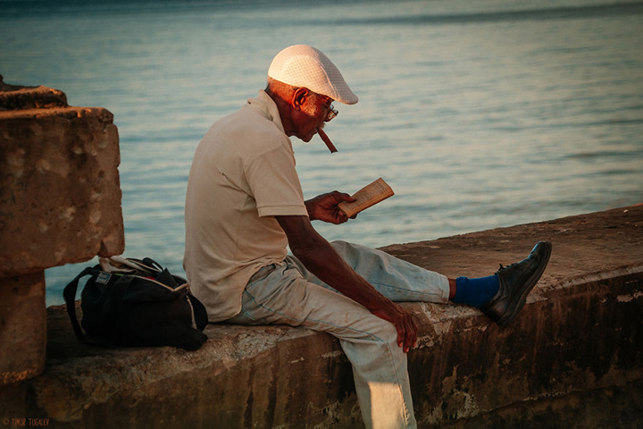 i-spent-20-days-in-cuba-documenting-the-life-of-local-people-20__880