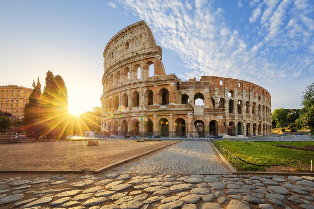 Колизей, Италия