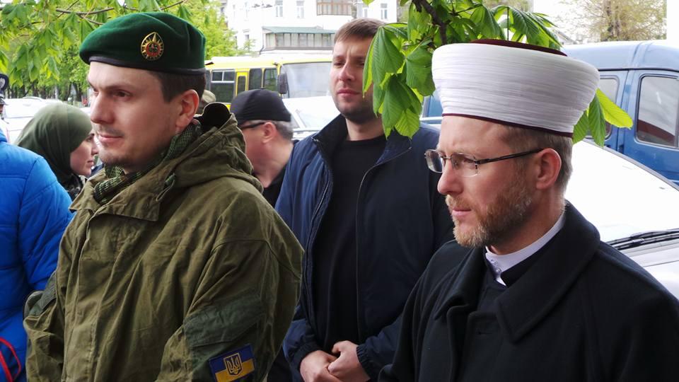 Порошенко начал «щемить» исламистов из АТО: Истерика муфтия