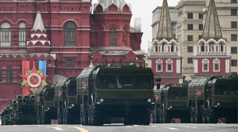 """""""Намерения России не вполне ясны!"""" - в НАТО нервничают по поводу российской военной мощи"""