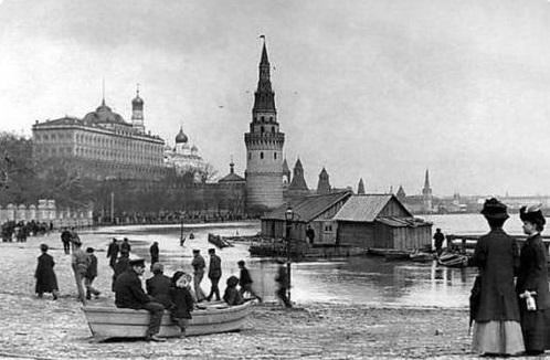 Как в СССР пытались переименовать Москву ...