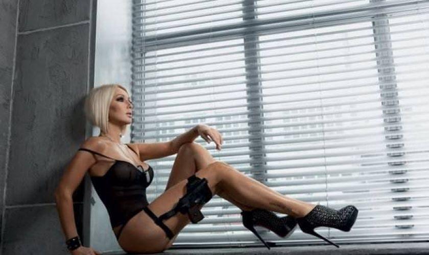 Лера Кудрявцева восхитила поклонников своей фотографией для мужского журнала