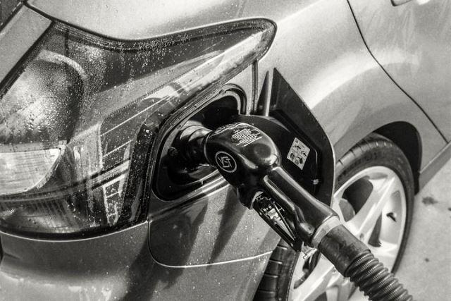 Повышение цен на бензин в 2019 году в России: последние новости