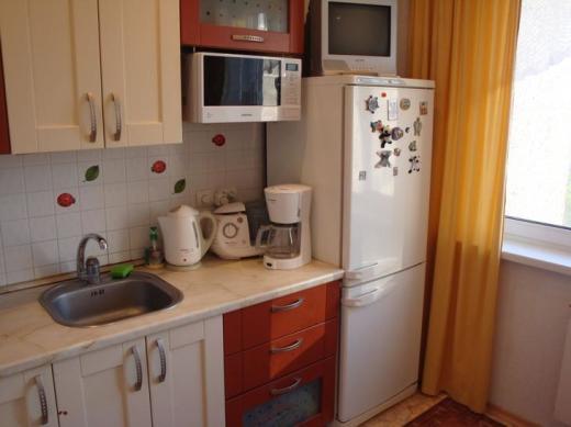 На  такой кухне хочется творить, принимать пищу, да и просто посидеть