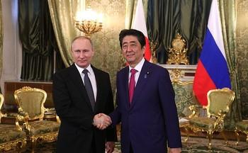 Премьер Японии Абэ рассказал о результатах переговоров с Путиным в Кремле