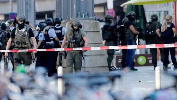 Происшествие в Кёльне: напав…