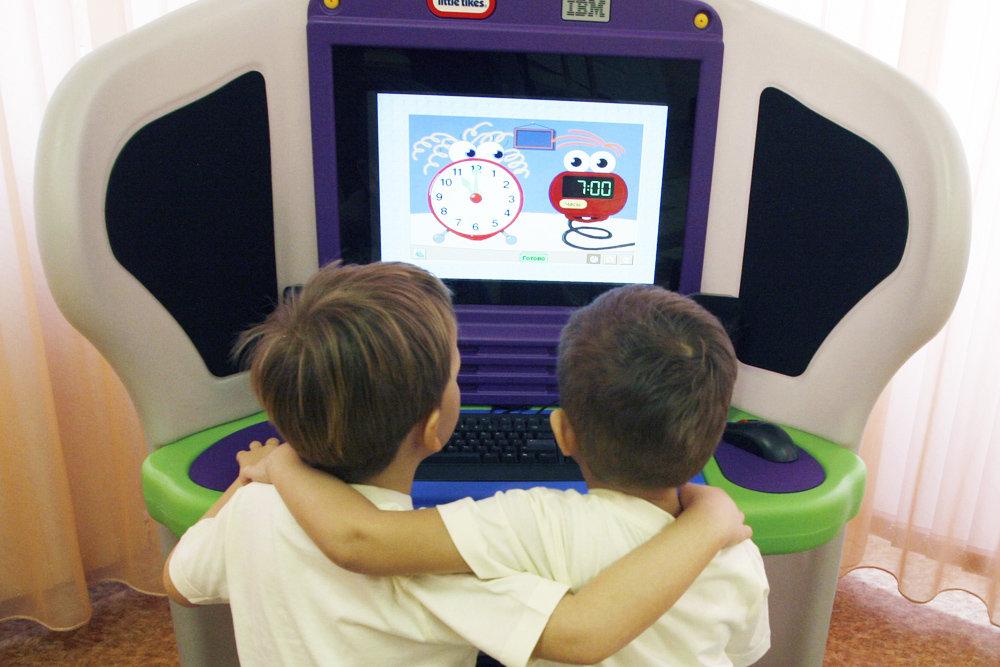 Создавать роботов и программировать их станут уже в детском саду