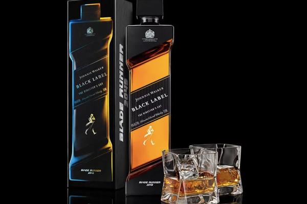 Лимитированная серия виски Бегущий по лезвию 2049 от Джонни Уокера