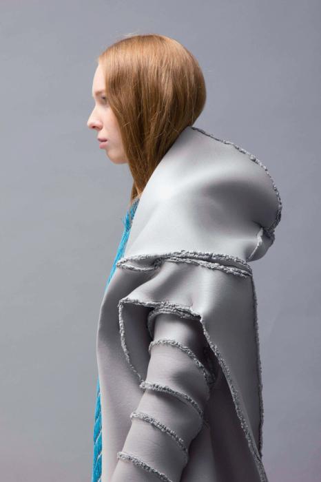 Новый взгляд на текстильный дизайн: провокационная коллекция женской одежды