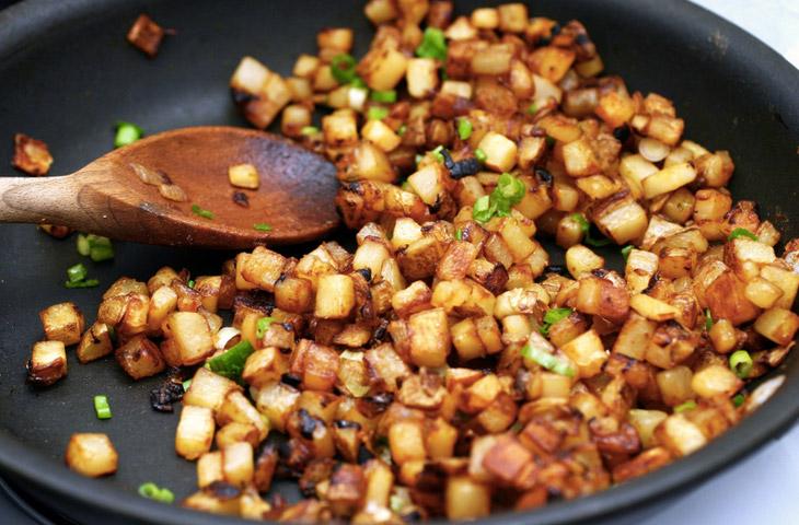 5 вкусных способов пожарить картошку в масле