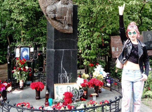 Посещение могилы Виктора Цоя может стать платным