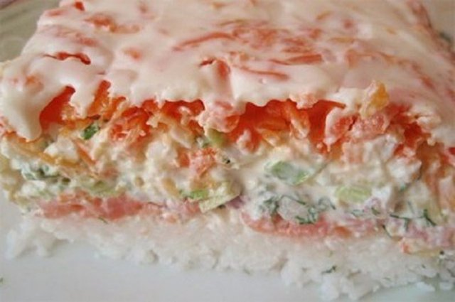 Идеально для любого застолья. Салат «СУШИ» — невероятно вкусно, не отличить от настоящих!