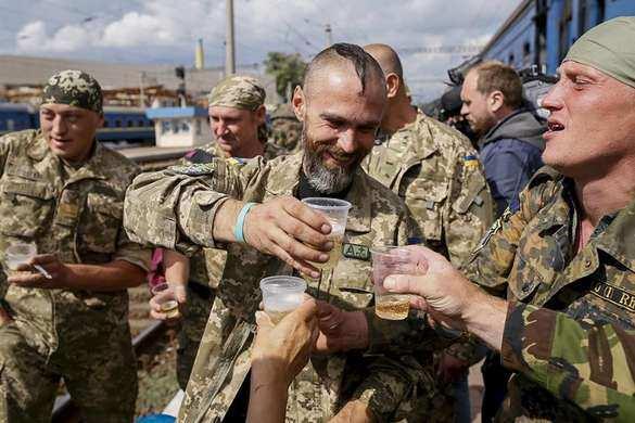 Уже всё хорошо: наУкраине проблема созлоупотреблением алкоголем вармии была актуальной в2014–2016,— Военная служба правопорядка