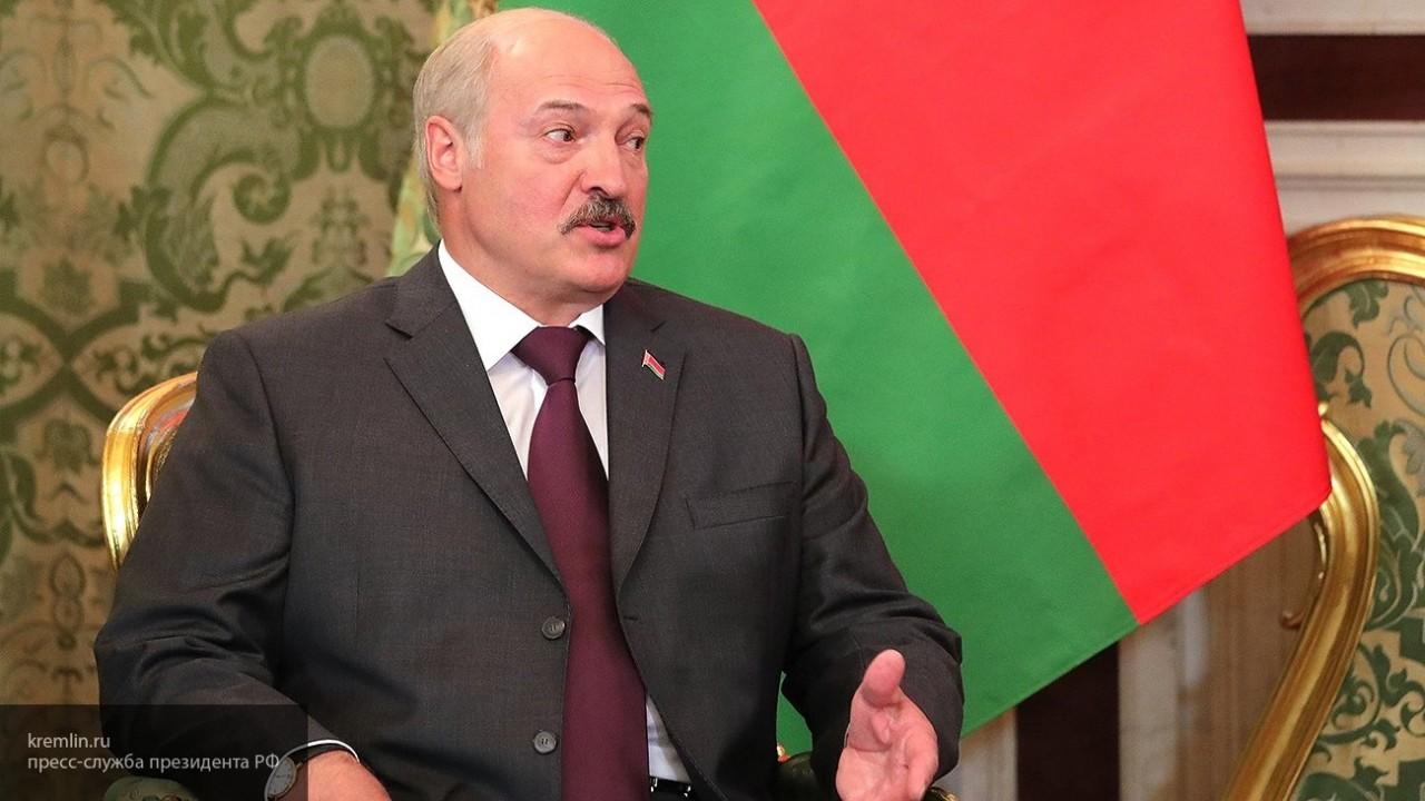 «Здоровья, счастья и благополучия»: Лукашенко поздравил Медведева с днем рождения