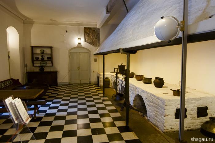 Кухня Меншиковского дворца в Санкт-Петербурге была выстроена полностью по европейскому образцу.