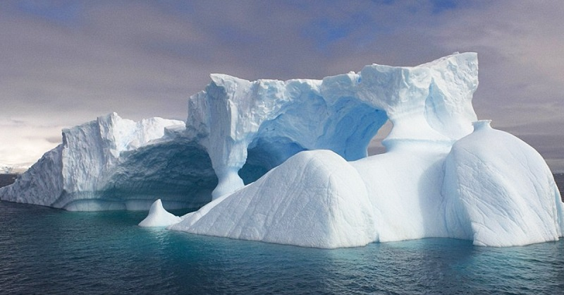 Гигантский айсберг откололся от ледника в Антарктиде! Ученые уже говорят о страшных последствиях…
