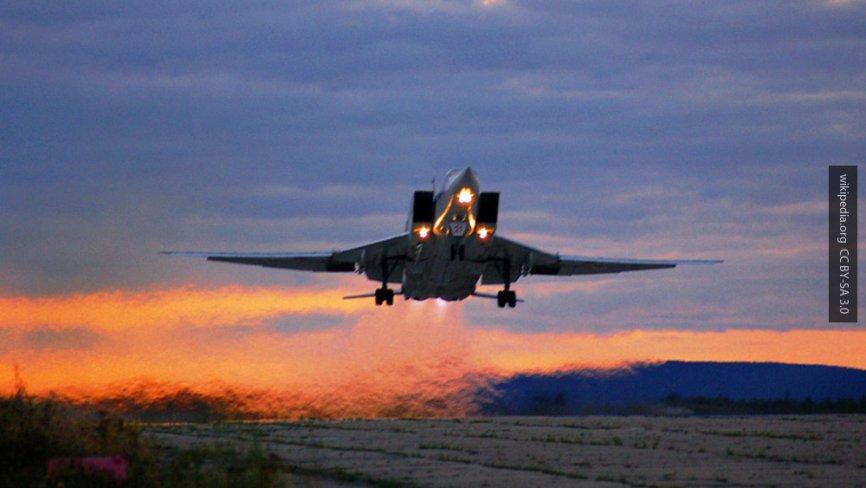 Шесть бомбардировщиков Ту-22М3 нанесли бомбовые удары по базам ИГИЛ в Дейр-эз-Зоре