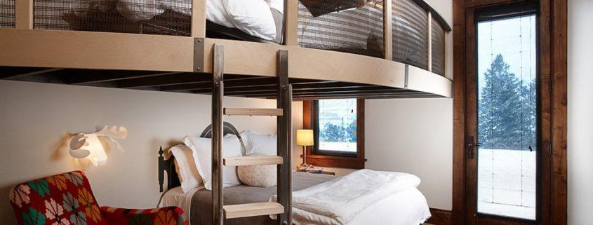 Кровать-чердак для взрослых: практичное решение для небольших помещений