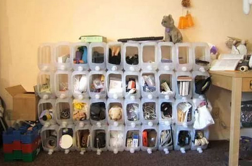 Уникальные идеи, как лучше хранить вещи на даче…