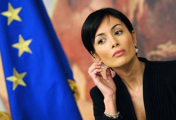 15 симпатичных женщин в политике (15 фото)