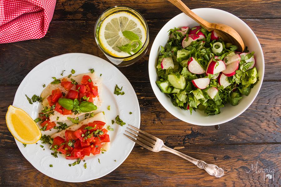 Палтус с помидорами в духовке — диетично, просто и вкусно!