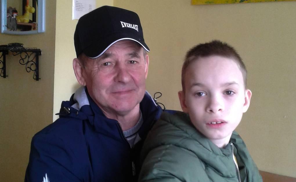Юрий с младшим сыном Оксаны Олегом  Личный архив Оксаны