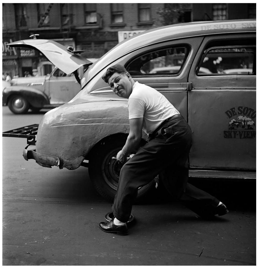 Шедевры от мастеров уличной фотографии: реальная жизнь в каждом снимке 44