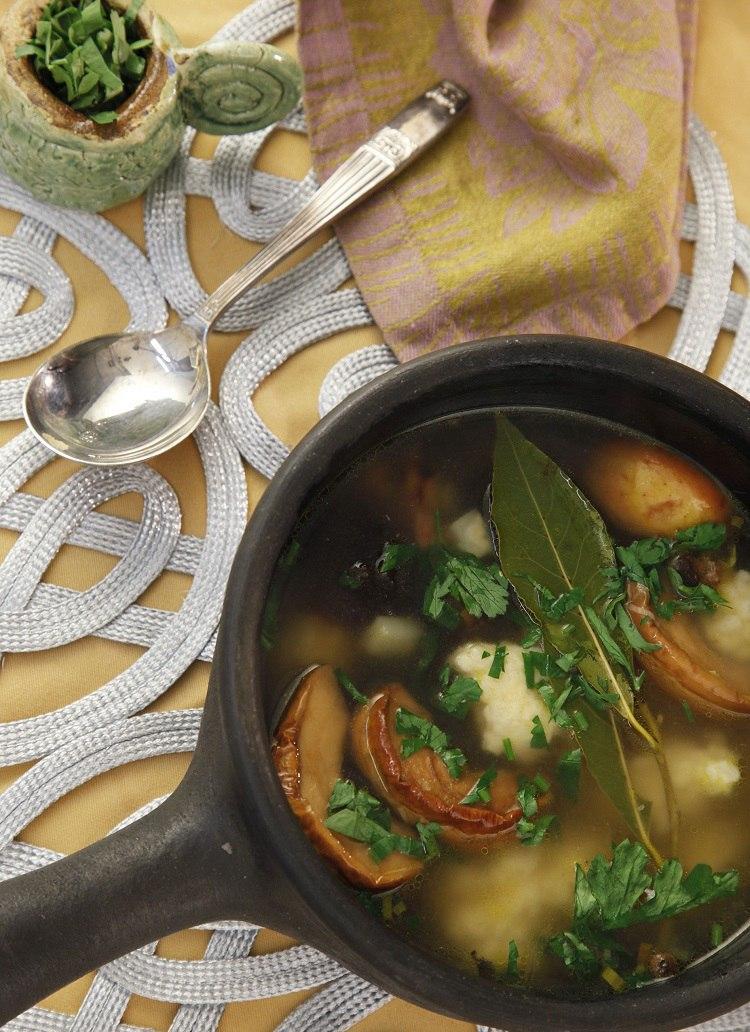 Суп с рулькой и угрем