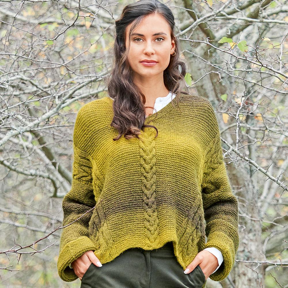 Пуловер с диагональными «косами» — изысканный фасон, необычный узор, модный рукав
