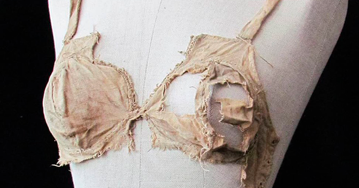 Archeologists Showcase 500-Year-Old Underwear And People Respond With Funny Comments