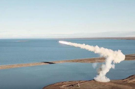 """Британские СМИ оказались под большим впечатлением от стрельбы """"Бастиона"""" в Арктике"""