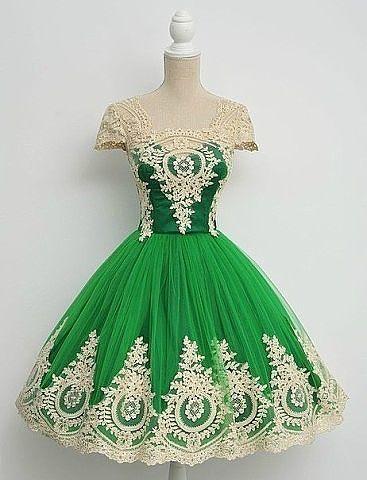Стиль 1950-х: коктейльные платья. А вы бы примерили?