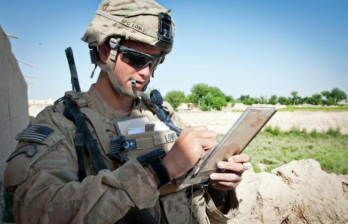 Почему американские солдаты …