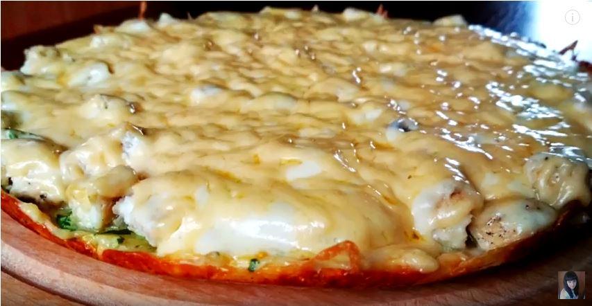 Пицца на сковороде невероятно сочная и вкусная