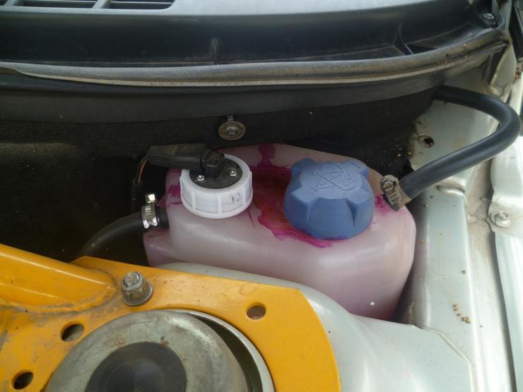 Почему в машине нужно всегда иметь дешевый суперклей и соду