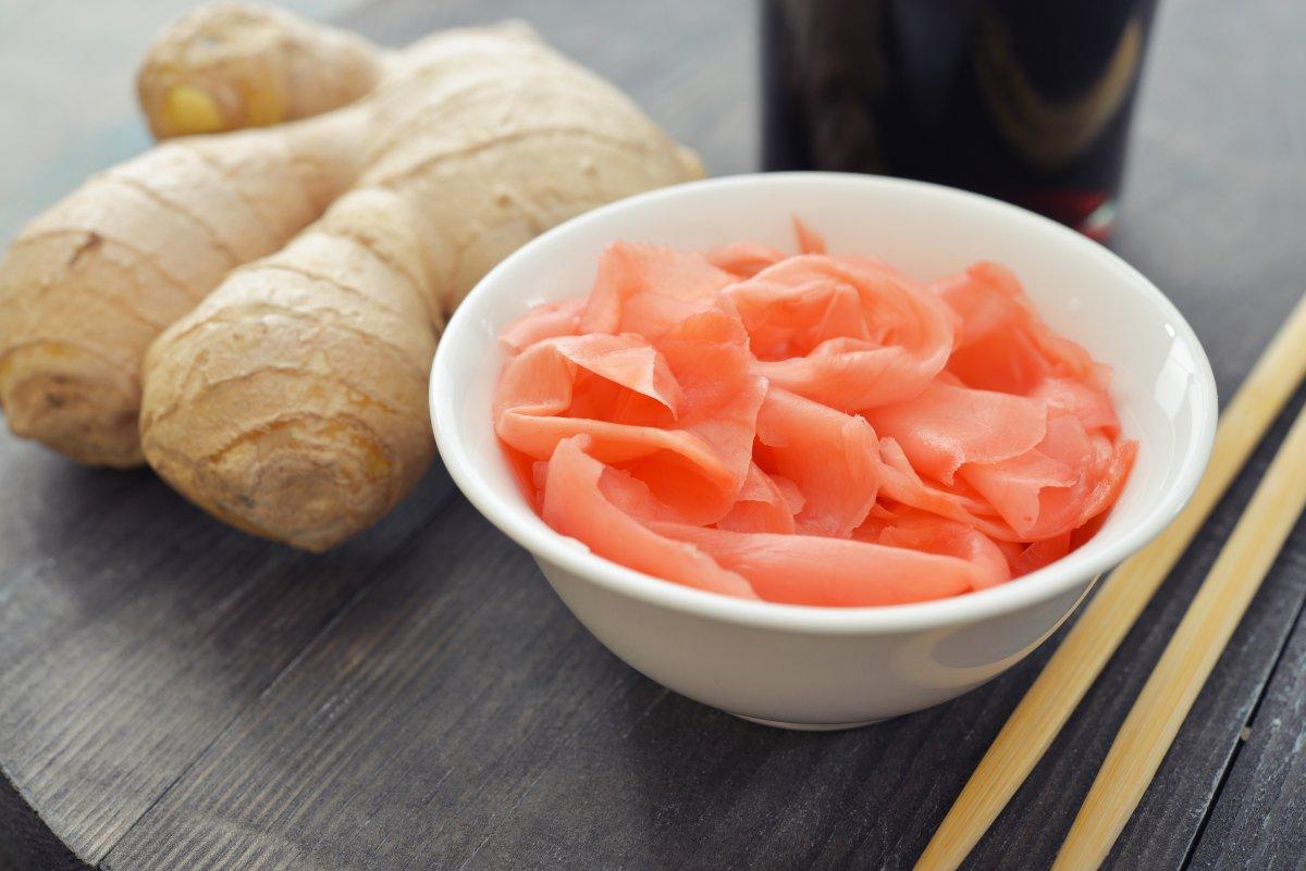 Как вкусно и быстро приготовить маринованный имбирь