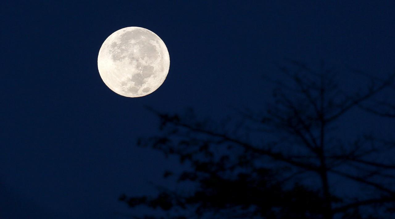 В ночь с 1 на 2 января жители Земли смогут увидеть суперлуние