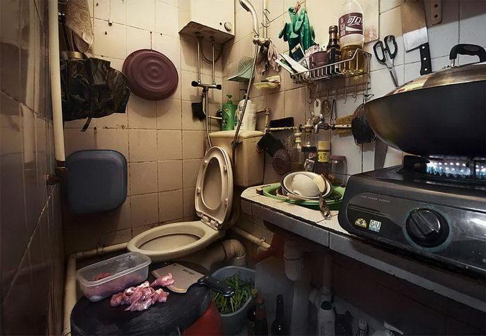 Микро-квартиры Гонконга в фотографиях Benny Lam