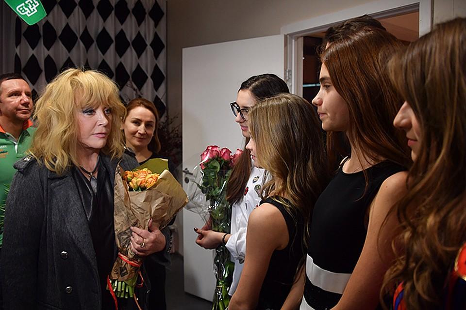 После смерти Немцова певица решила поддержать его семью и в память о друге перевела Соню на бесплатное обучение
