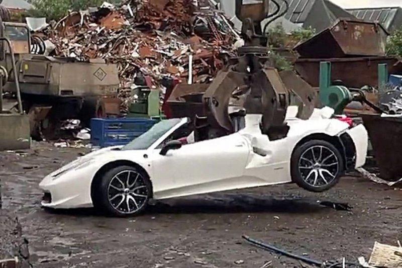 В Великобритании по ошибке утилизировали суперкар Ferrari