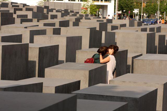 Германия, Берлин, мемориал Холокоста: бессмысленность и безутешность