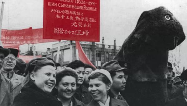 Сталинизм по-японски: любовные драмы, поклон товарищу Сталину и дружба народов
