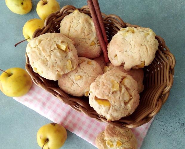 Мягкое яблочное печенье: рецепт вкусного лакомства для семейного чаепития